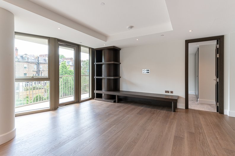 1 bedroom(s) apartment to sale in Sherrin House, Royal Warwick Square, Kensington-image 3