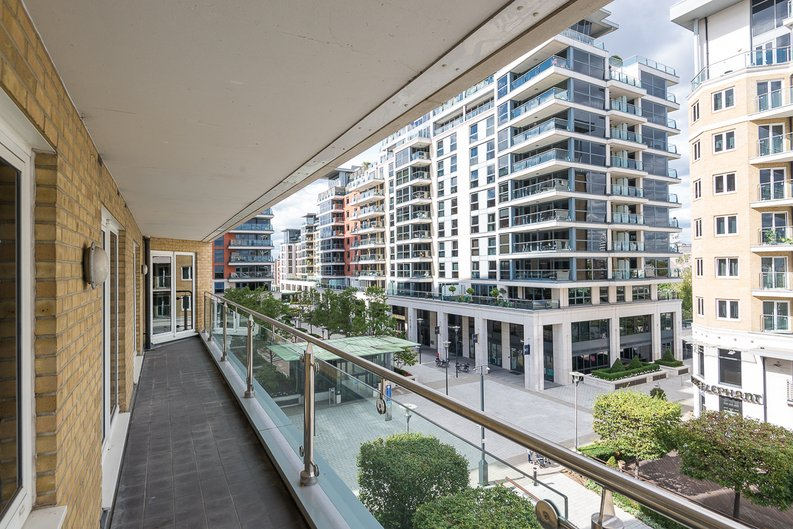 3 bedroom(s) apartment to sale in Riverside Tower , Imperial Wharf , London-image 14