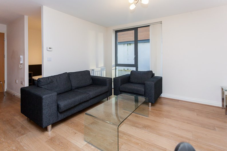 1 bedroom(s) apartment to sale in Conrad Court, 2 Needleman Close, Colindale Gardens, Colindale-image 8