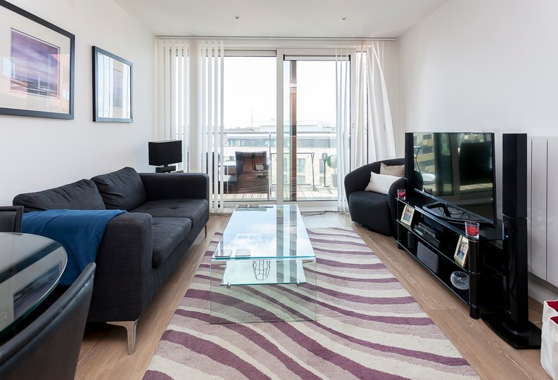 1 bedroom(s) apartment to sale in Sirius House, Seafarer Way, Surrey Quays-image 2