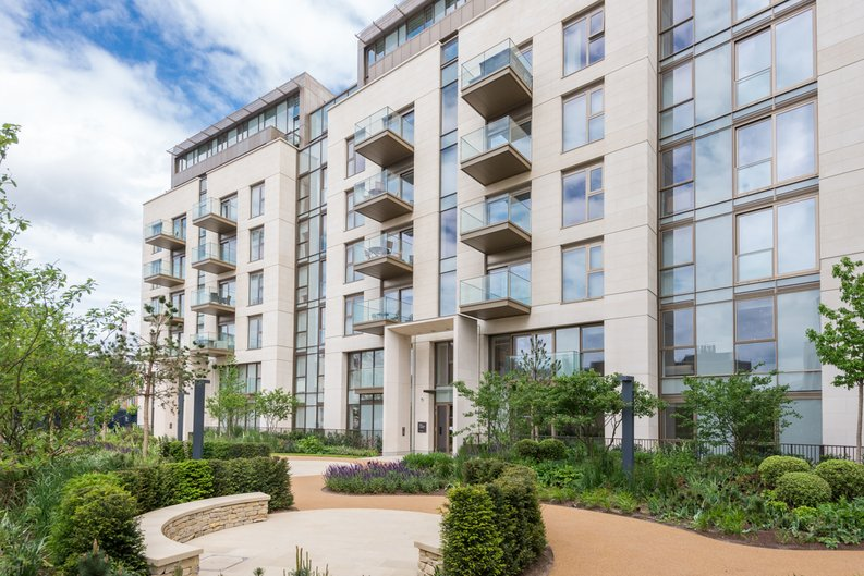 1 bedroom(s) apartment to sale in Block Three, Lillie Square, Lillie Road , Earls Court-image 2
