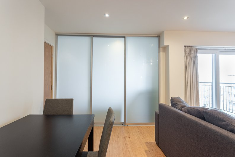 Studio apartment to sale in East Drive, Colindale, London-image 12