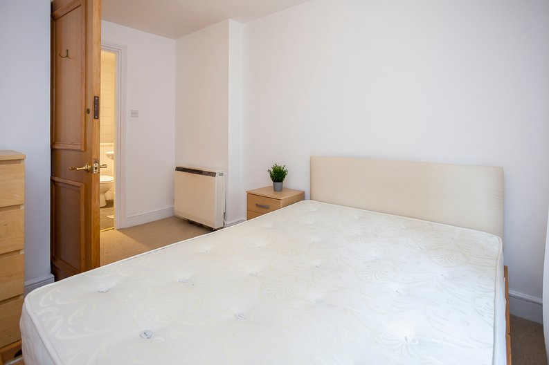 2 bedroom(s) apartment to sale in Scotts Sufferance Wharf, 5 Mill Street, Bermondsey-image 6