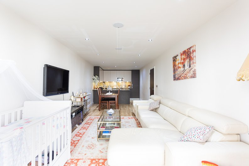 2 bedroom(s) apartment to sale in Boulevard Drive, Colindale, London-image 6