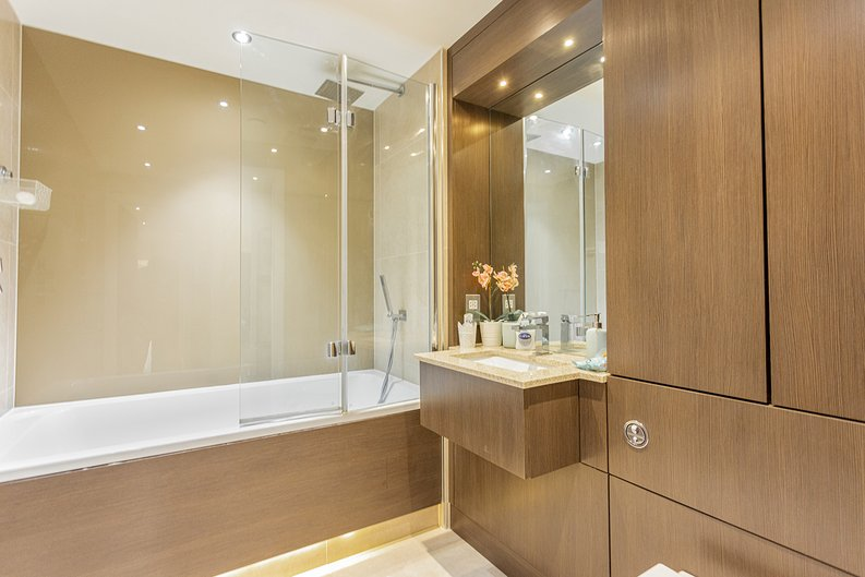 3 bedroom(s) apartment to sale in Boulevard Drive, Colindale, London-image 12