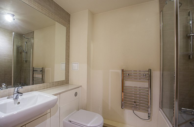 1 bedroom(s) apartment to sale in 27 Heritage Avenue, London-image 6