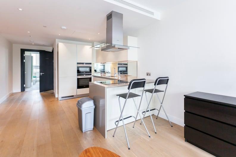 2 bedroom(s) apartment to sale in Cascade Court, Vista Chelsea Bridge, Battersea-image 6