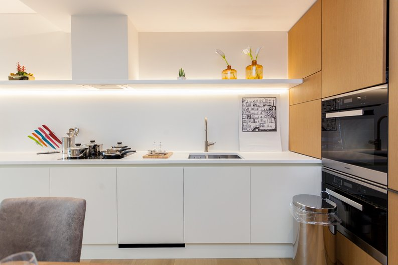 1 bedroom(s) apartment to sale in Rathbone Place, Fitzrovia-image 5
