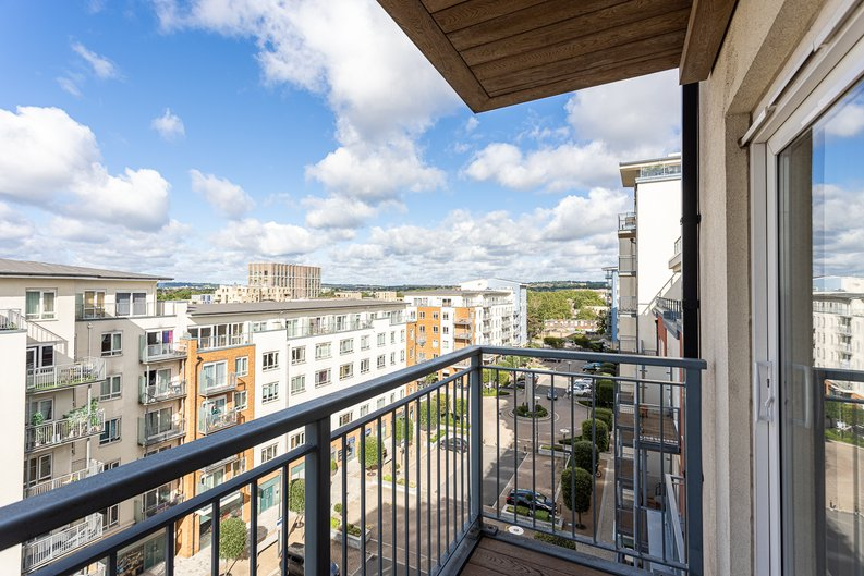 2 bedroom(s) apartment to sale in Heritage Avenue, London-image 2