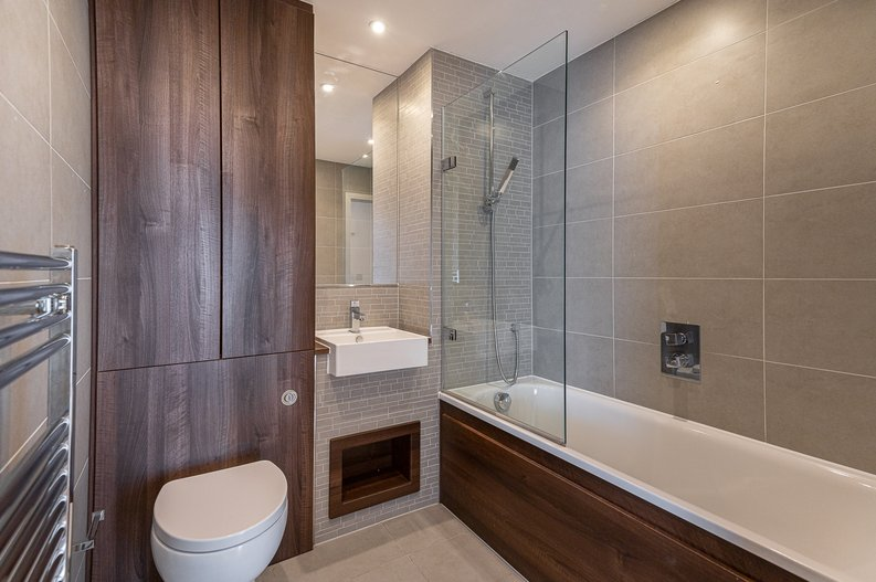 2 bedroom(s) apartment to sale in Goodchild Road, Woodberry Down, London-image 3