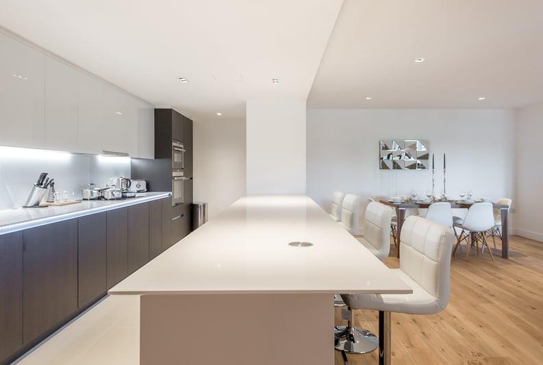2 bedroom(s) apartment to sale in Rothschild House, 8 Kew Bridge Road, Greater London, Brentford-image 7