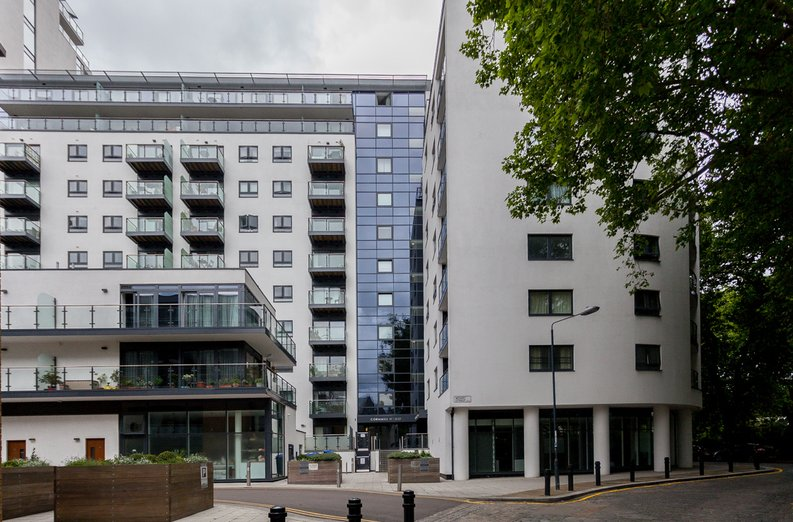 1 bedroom(s) apartment to sale in Cornmill House, 4 Wharf Street, London-image 7