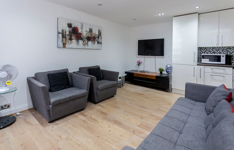 3 bedroom(s) apartment to sale in Park West, Edgware Road, Hyde Park, London-image 5