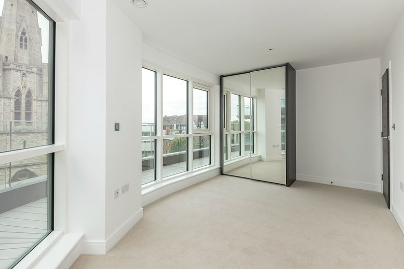 3 bedroom(s) apartment to sale in Quartz House, Dickens Yard, Ealing-image 13