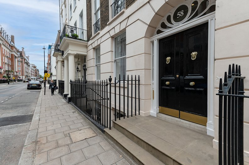 2 bedroom(s) apartment to sale in Park Street, Mayfair, London-image 5