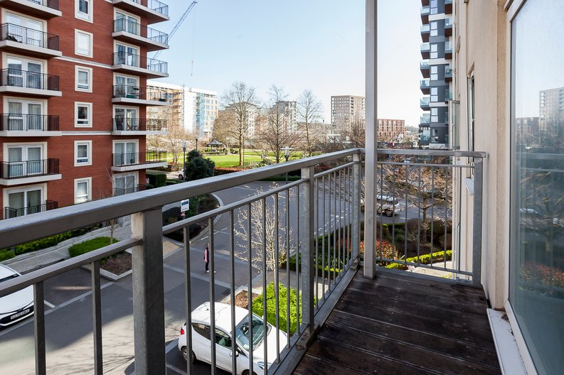 Studio apartment to sale in Ascent House, 12 Boulevard Drive, Beaufort Park , London-image 5