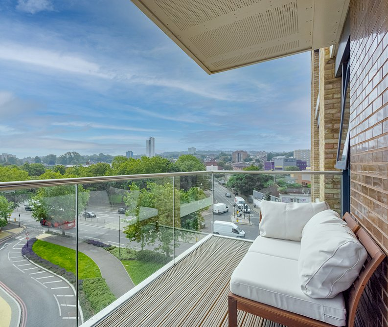2 bedroom(s) apartment to sale in Victory Parade, Woolwich, London-image 11