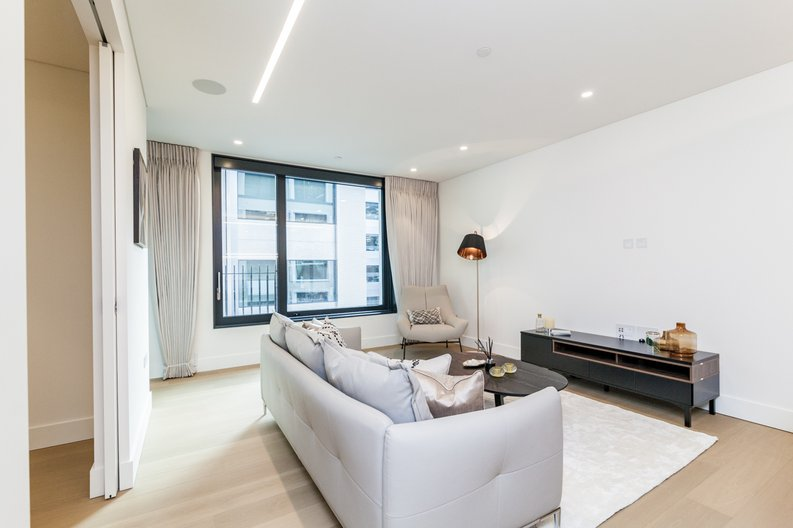 3 bedroom(s) apartment to sale in Rathbone Place, Fitzrovia-image 5