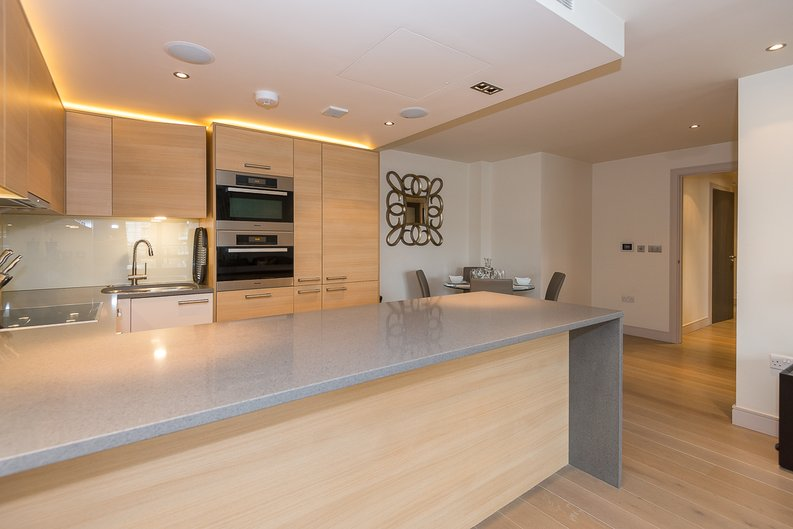 3 bedroom(s) apartment to sale in Doulton House, Park Street, Chelsea Creek-image 5