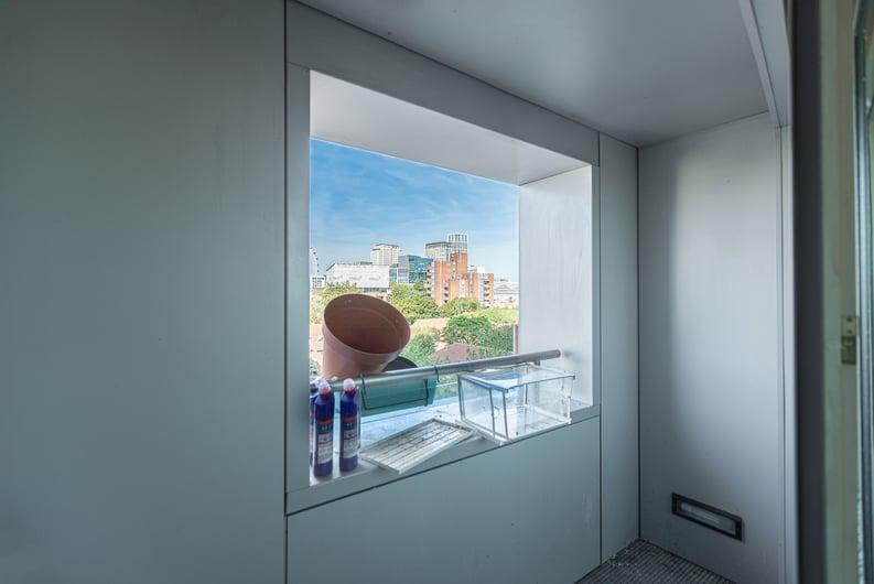 2 bedroom(s) apartment to sale in Westminster Bridge Road, Lambeth, London-image 15