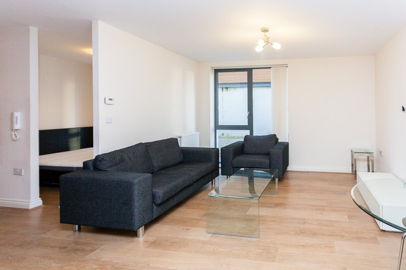 1 bedroom(s) apartment to sale in Conrad Court, 2 Needleman Close, Colindale Gardens, Colindale-image 6