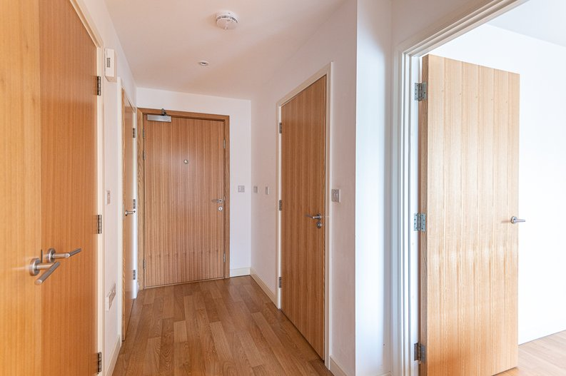 1 bedroom(s) apartment to sale in Waterside Apartments, Goodchild Road, Woodbury Down, London-image 11