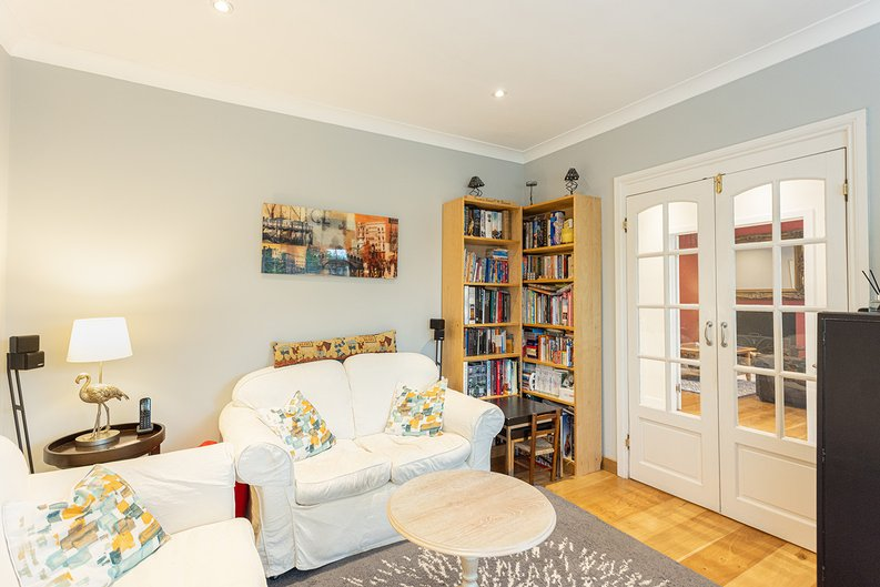 4 bedroom(s) house to sale in Hale Lane, Mill Hill, London-image 7