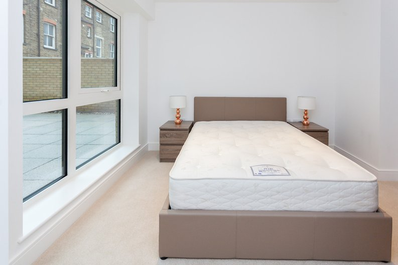 1 bedroom(s) apartment to sale in Quartz House, Dickens Yard, 12 New Broadway, London-image 9