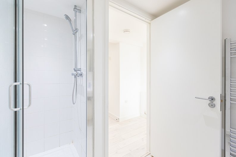 Studio apartment to sale in Prospect House, 67 St John's Road, Hounslow, London-image 17