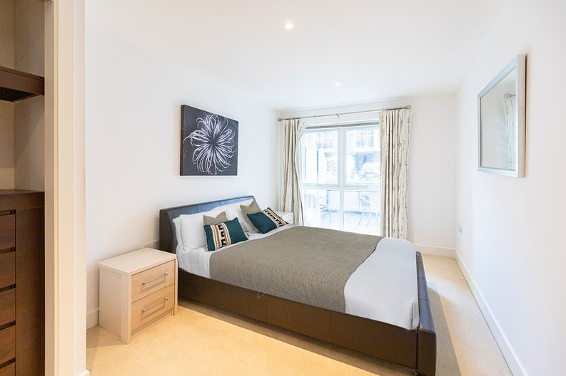2 bedroom(s) apartment to sale in Napier House, Bromyard Avenue, Napier West, London-image 3