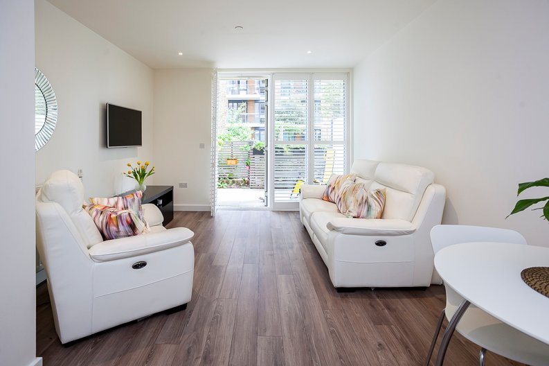 1 bedroom(s) apartment to sale in Drummond House, Victory Parade, Woolwich, London-image 1