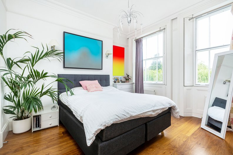 3 bedroom(s) apartment to sale in The Green, Surrey, Richmond-image 3