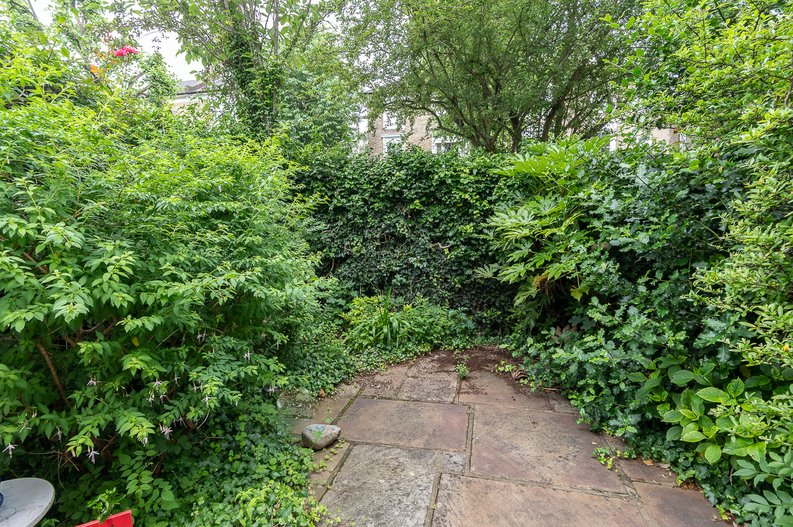 2 bedroom(s) apartment to sale in Thurlow Road, Hampstead, London-image 5