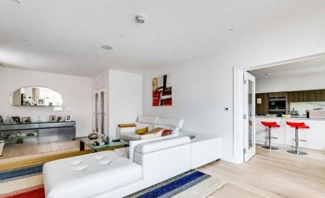 4 bedroom(s) apartment to sale in Kidderpore Avenue, Hampstead, London-image 7