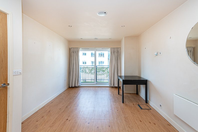 1 bedroom(s) apartment to sale in Curtiss House, 27 Heritage Avenue, Beaufort Park, London-image 9