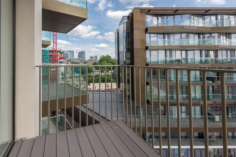 2 bedroom(s) apartment to sale in Admiralty House, Vaughan Way, London Dock, Wapping-image 10