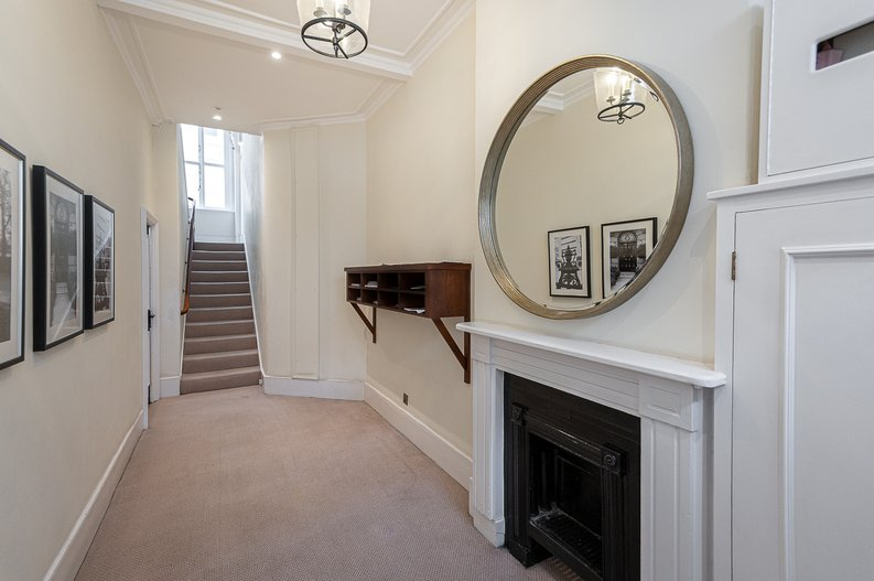 2 bedroom(s) apartment to sale in Park Street, Mayfair, London-image 24