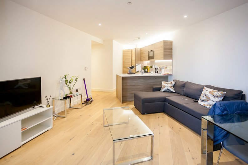 2 bedroom(s) apartment to sale in Duke of Wellington Avenue, Royal Arsenal Riverside, Woolwich, London-image 4