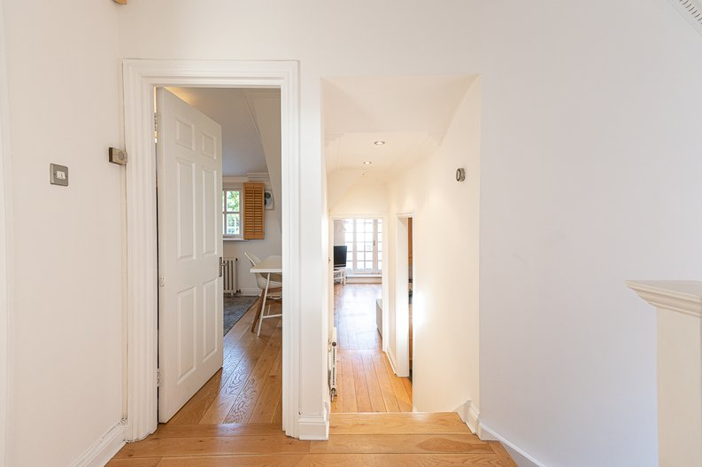2 bedroom(s) apartment to sale in Hollycroft Avenue, Hampstead, London-image 10