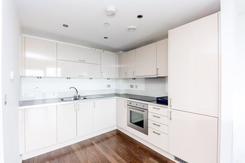 2 bedroom(s) apartment to sale in Craig Tower, Aqua Vista Square, Bow-image 2