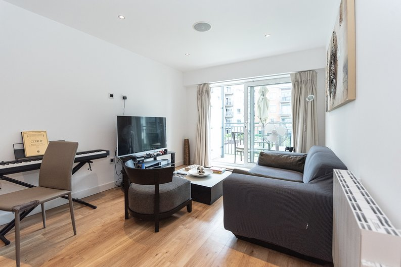 1 bedroom(s) apartment to sale in Eldon House, Beaufort Park, Colindale-image 9