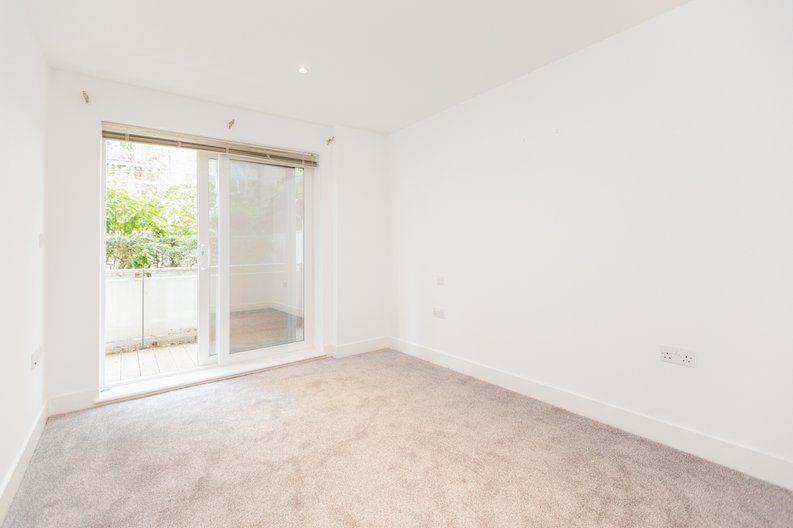 2 bedroom(s) apartment to sale in Napier House, Bromyard Avenue, London-image 5