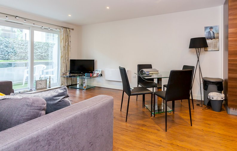 2 bedroom(s) apartment to sale in Napier House, Bromyard Avenue, Acton-image 11