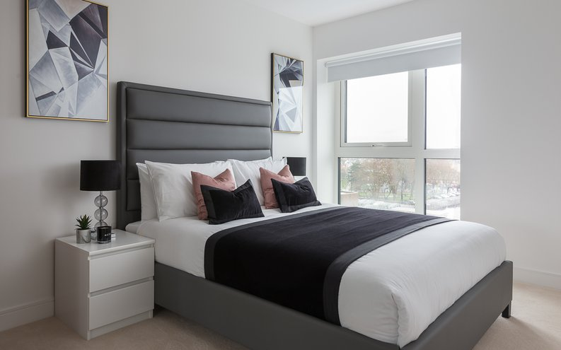 2 bedroom(s) apartment to sale in Longfield Avenue, Ealing, London-image 10