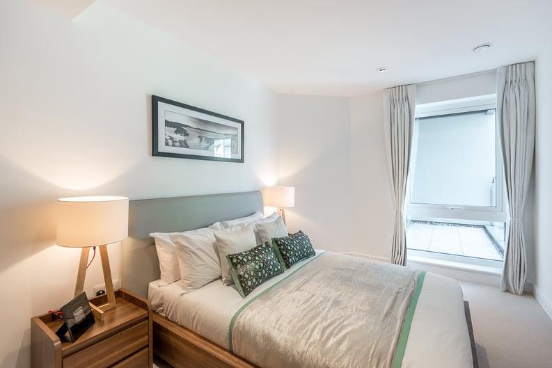2 bedroom(s) apartment to sale in Rothschild House, Kew Bridge Road, Kew, Brentford-image 8