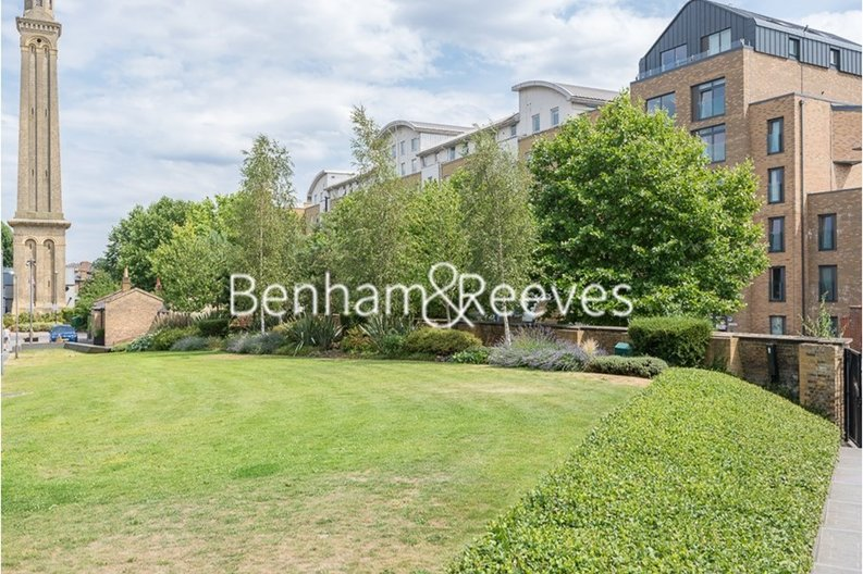 1 bedroom(s) apartment to sale in Heritage Place, Greater London, Brentford-image 5
