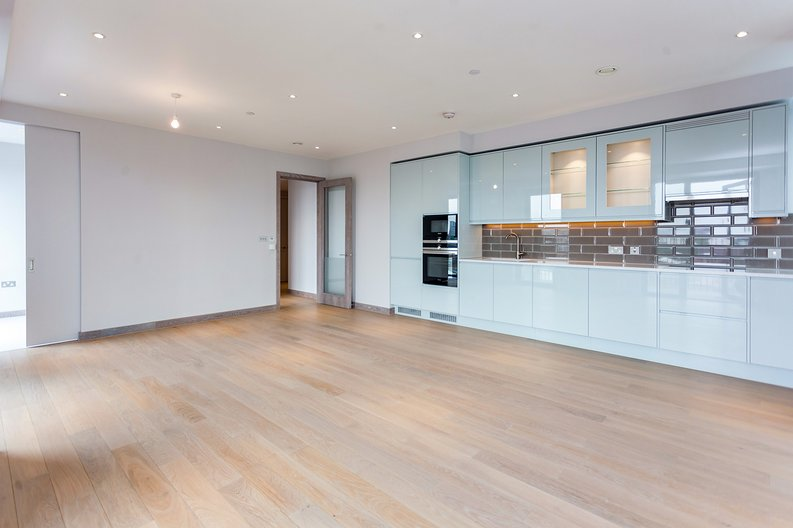 3 bedroom(s) apartment to sale in Tritton House, 3 Ryeland Boulevard, Ram Quarter , Wandsworth-image 7