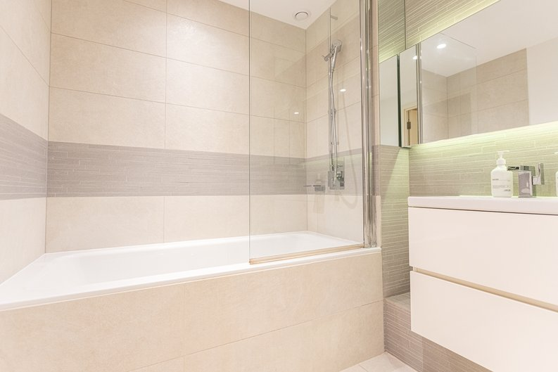 1 bedroom(s) apartment to sale in Seafarer Way, Surrey Quays, London-image 9