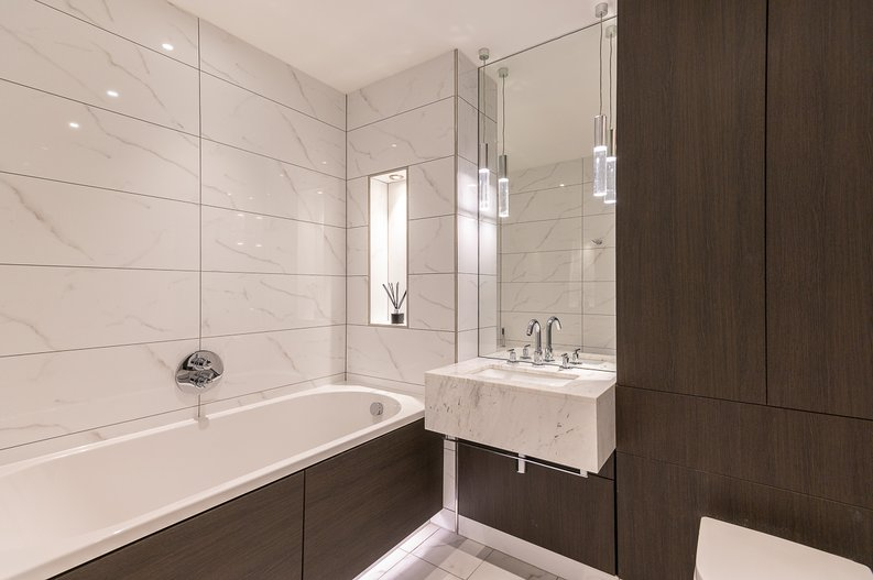2 bedroom(s) apartment to sale in Glenthorne Road, Hammersmith, London-image 9