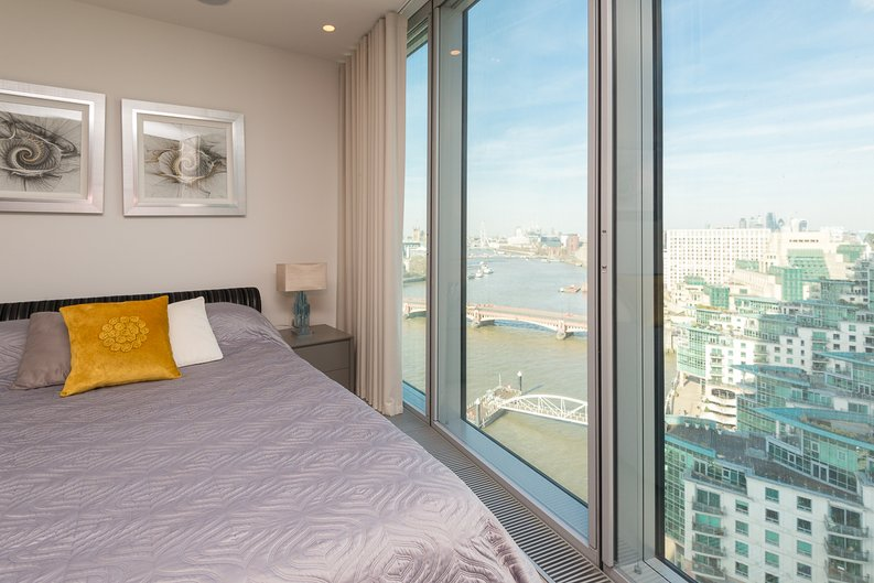 3 bedroom(s) apartment to sale in St George Wharf, Vauxhall, London-image 21